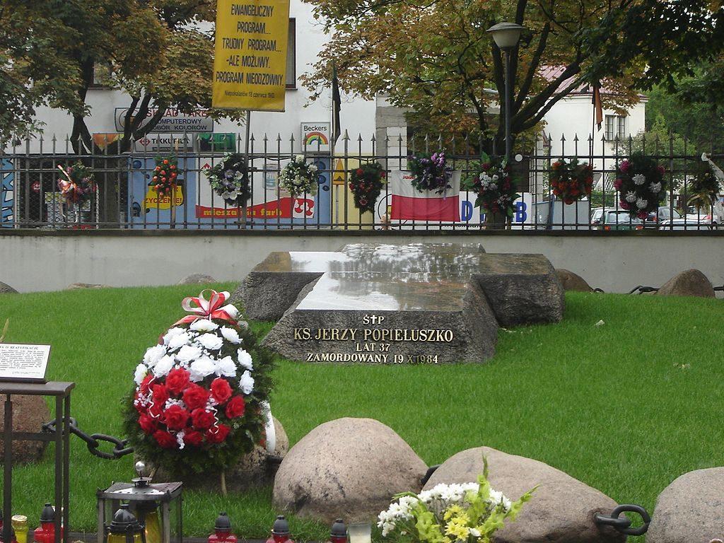 cmentarz warszawa hanka warszawianka popiełuszko 2