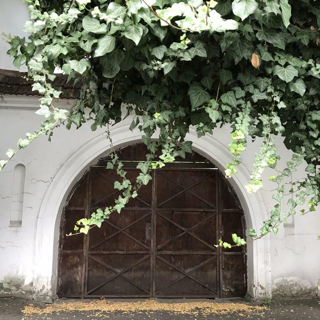 Luty_HankaWarszawianka_brama